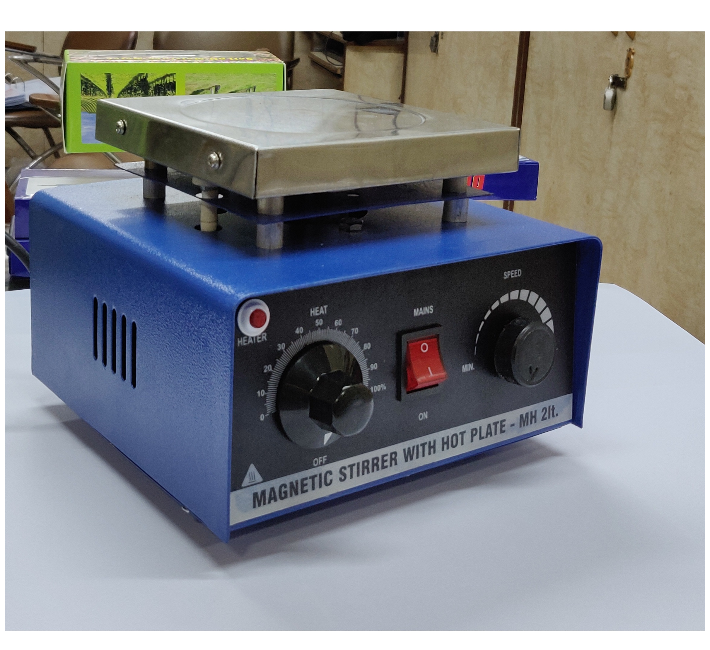 Hot Plate with Stirrer 2L 2